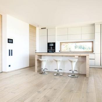 Pavimento TRAPA Maxi Plank in ROVERE Tradition spazzolato bianco