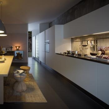 ARCLINEA Cucina Gamma in legno chiaro e acciaio inox a Verona.