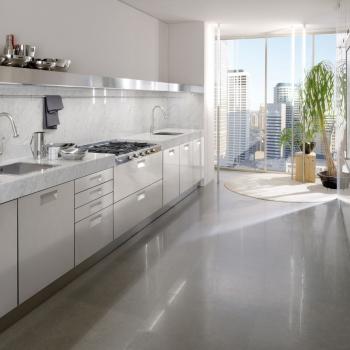 ARCLINEA Cucina Italia in marmo e acciaio inox a Verona.