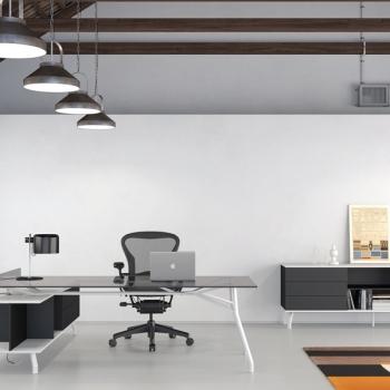 Arredamento ufficio DOIMOFFICE scrivania Iron System piano vetro a Verona.